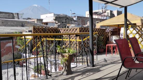Colibri: Terrasse avec vue sur le volcan Misti