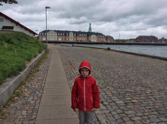 Hotel Jens Baggesen: На набережной города Корсер