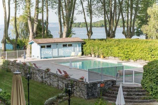 Chateau de Coudree: piscine extérieure
