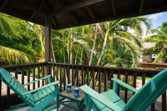 Bananarama Beach and Dive Resort: Private Patio King Garden Room second floor