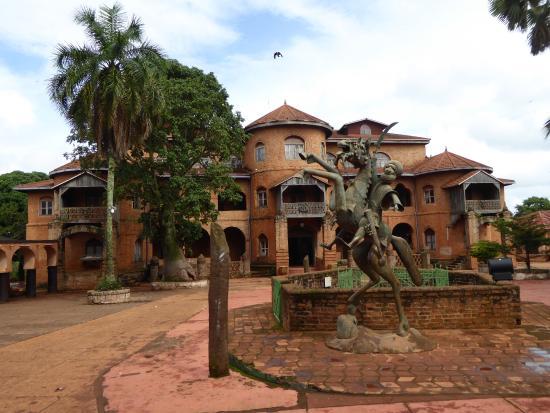 Foumban, Kamerun: 外観
