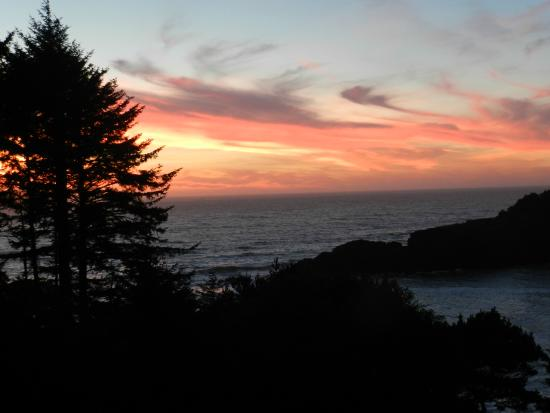 Depoe Bay, OR: Sunset View