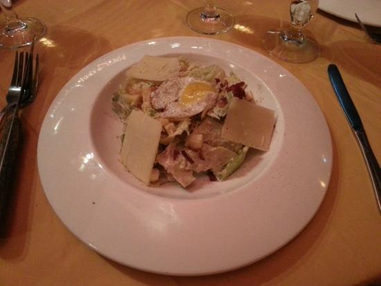 Tutto Bene: Caesar salad