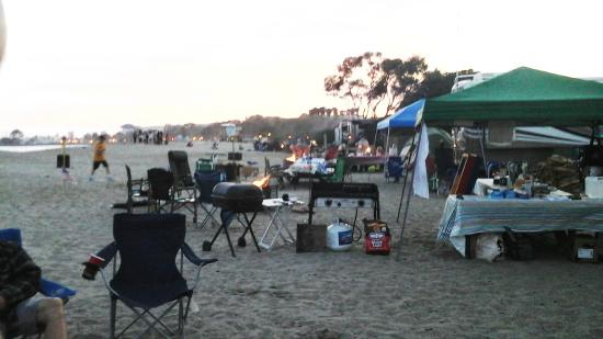 Doheny State Beach Beachfront Campers Well Equipped For Serious Tailgating