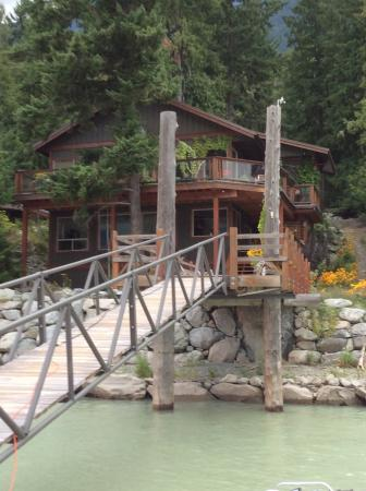 The Cottage B&B on Lillooet Lake: Martha and Andy Cochran's Lovely B&B