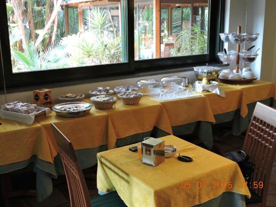 Borgo Verde Hotel: Desayuno.(escaso)