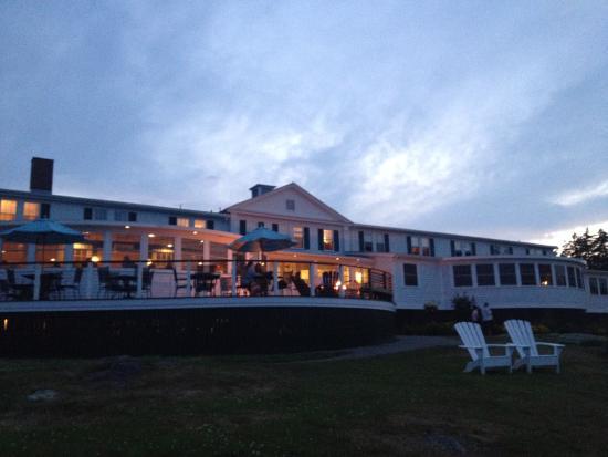 The Newagen Seaside Inn at dusk.