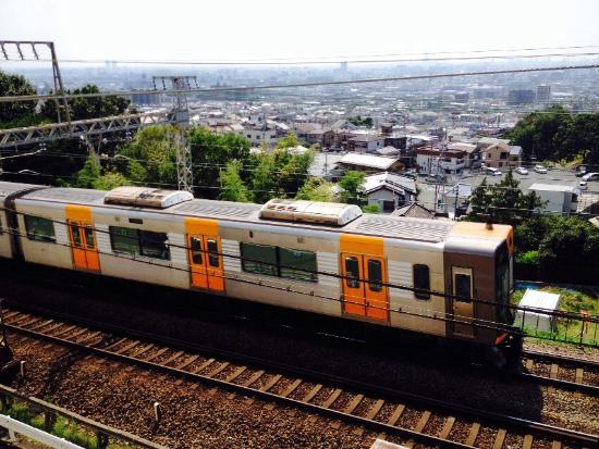 Hotel Seiryu: 露天風呂、露天風呂から近鉄電車