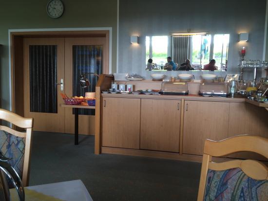 Hotel Pommernland: Gut sortiertes Frühstücksbuffet / Eierzubereitung nach Wunsch