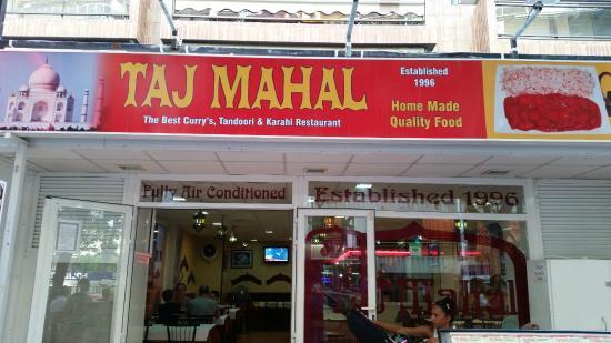 Taj Mahal Indian Restaurant: Кафе с индийской кухней