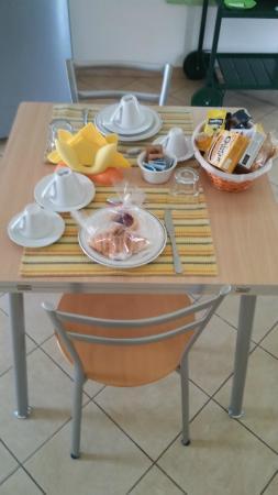 Salvia & Rosmarino B&B : la colazione singola