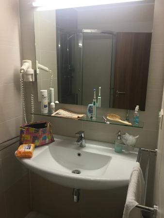 Hotel Viktor: Waschbecken