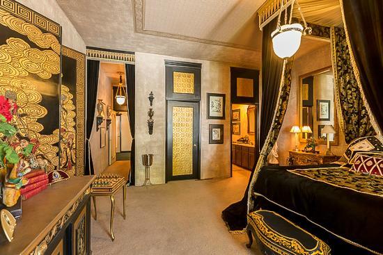 Elvis Bedroom Picture Of Hartland Mansion Las Vegas