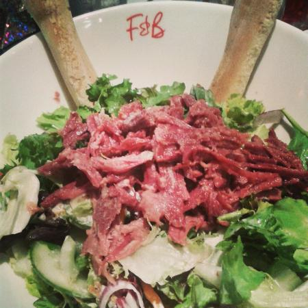 Frankie & Benny's: Pulled beef salad..yum