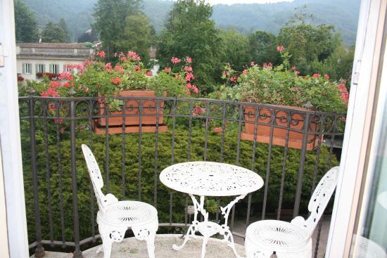 Petit balcon avec salon de jardin - Photo de Grand Hotel des ...