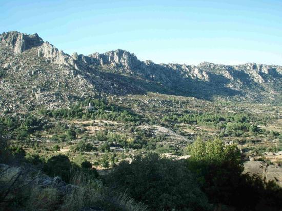 La Cabrera, Spanien: Apenas un punto en la inmensidad de Somosierra. Pero bien señalizado.