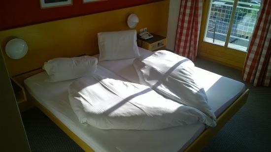 Ardez, Schweiz: Zimmer mit Decke in Herzform