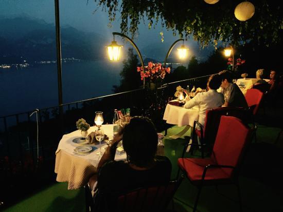 Plesio, Włochy: Very romantic, beautiful view on the lake