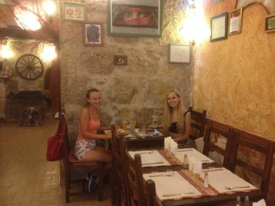 Alounak Restaurant : Kat and Alice