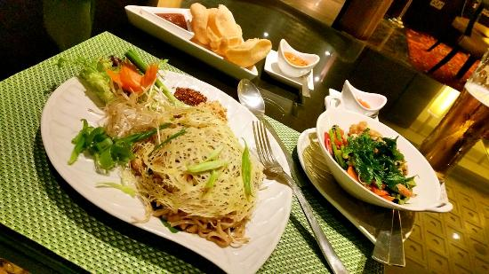 Benjarong: My favourite phadthai noodles and phad phak vegetables...