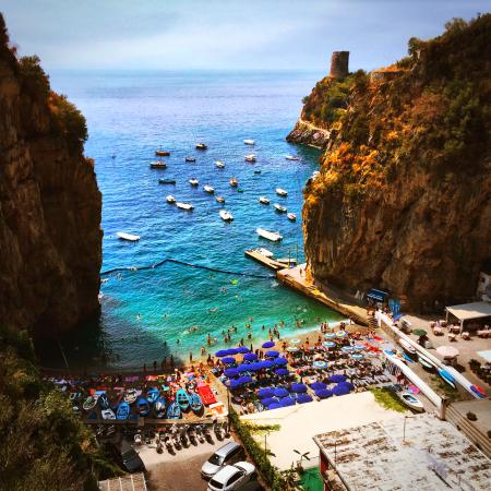 Wisely Travelling: Carlo brings you to great spots off the beaten path for breathtaking views.