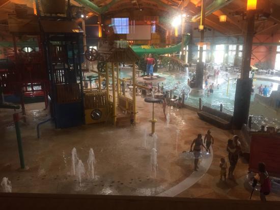 Grand Lodge Waterpark Resort: photo1.jpg