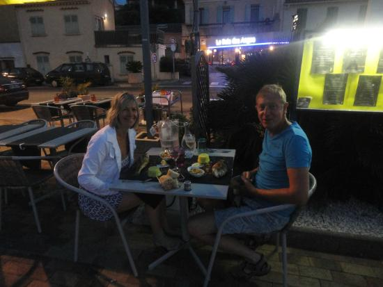 Picture of la baie des anges saint mandrier sur mer for Restaurant st mandrier