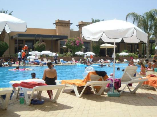 Piscine photo de club dar atlas marrakech tripadvisor for Club rabat piscine