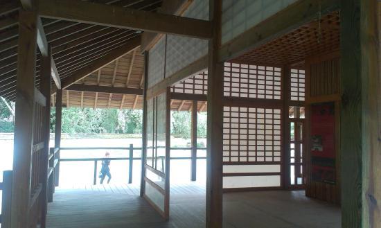 Int rieur pagode fotograf a de jardin japonais toulouse for Jardin interieur japonais