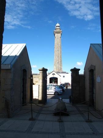 新しい灯台の上部は冠のような形...