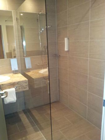 Best Western Queens Hotel Pforzheim-Niefern: Ottima la doccia!
