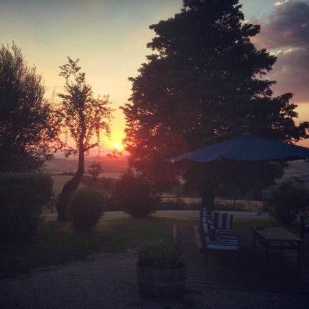 Fattoria Biologica Poggio Foco: Enjoy the amazing sunset