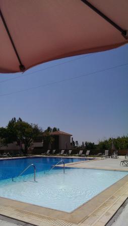 Aligis Studios: The pool area