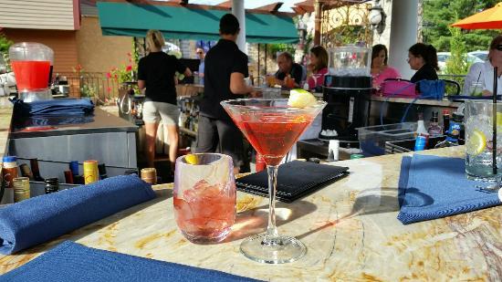 Coachmen's Lodge: Pomegranate Martini