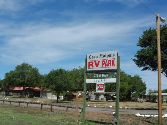 Casa Malpais RV Park: Entrance off US 60.
