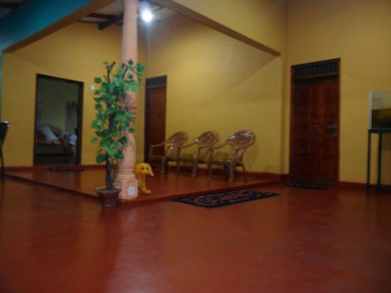 Palitha Home Stay: Home Stay ( Night Mode )