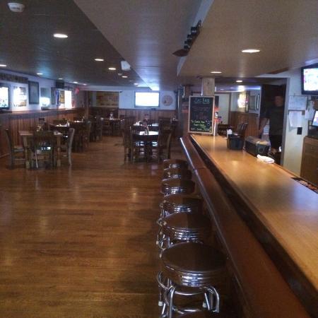 Pompey's Grill : Sacajawea Hotel bar