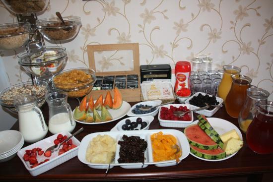 The Sandpiper Guest House: un beau buffet pour le petit déjeuner