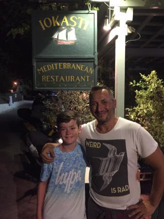 Iokasti Caffe: Caleb with the owner (fellow coeliac)