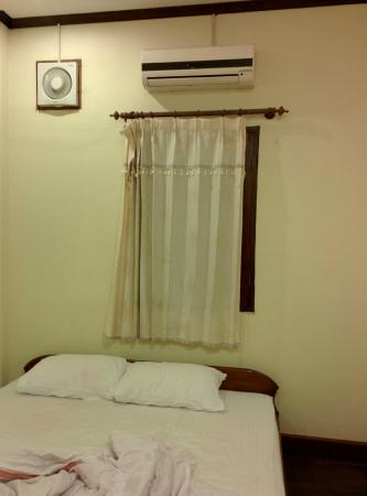 Inthasak Guesthouse: Airconditioned Double Room