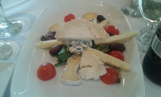 Restaurant L'academie: Copieuse assiette pour 2 à 12$