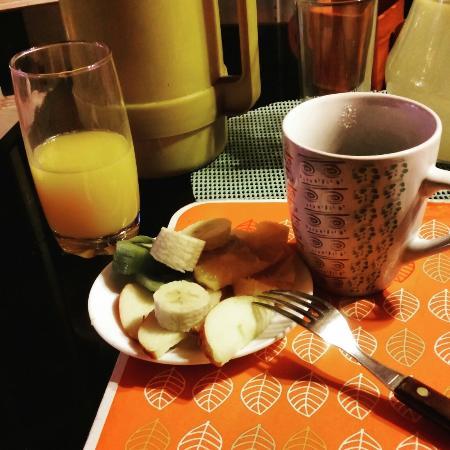 Don Santiago Hostel: Rico desayuno (me faltó agregar el huevo y el pan que sí viene incluido)