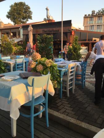 Fayton Cafe & Restaurant