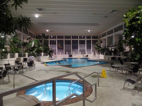 Oasis Hotel And Convention Center An Ascend Collection Member Indoor Pool