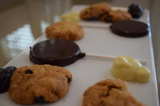 Belle Mare: Selection of tasty treats, cookies are lovely