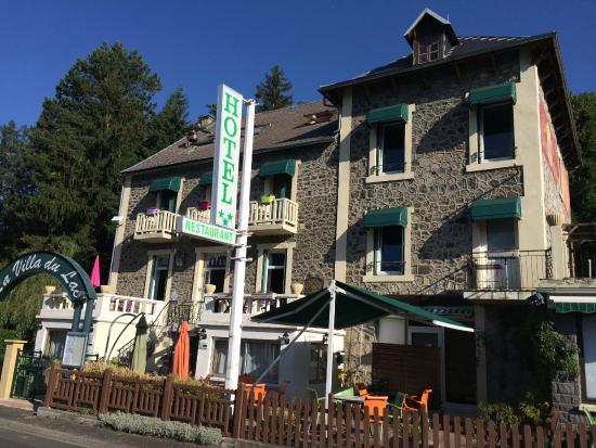 Hotel La Villa du Lac : vieille maison - intérieur rénové