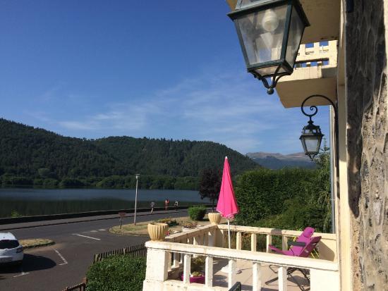 Hotel La Villa du Lac : Vue depuis la salle à manger