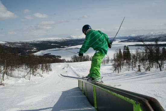 Tarnaby Fjallhotell: Skiing in the slopes just outside the door