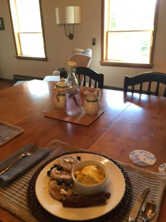 The Dungeness Barn House Bed and Breakfast: Fresh, local, super delicious breakfast feast!