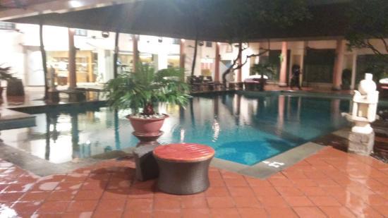 Parkroyal Saigon: Swimming Pool
